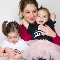 Shannon O'Reilly-Fearn with her daughters