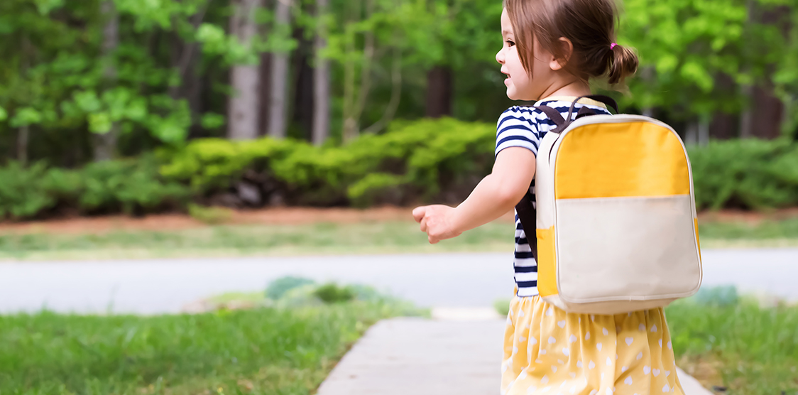 5 Things to Pack in Your Toddler's Travel Backpack - TheTot