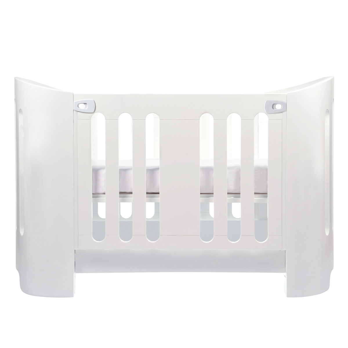 bloom luxo crib bloom luxo cot bed diddle tinkers  bloom luxo  - bloom luxo crib thetot bloomcribluxowhite bloomcribluxowhitebloomcribluxowhitebloomcribluxowhite bloomcribluxowhite