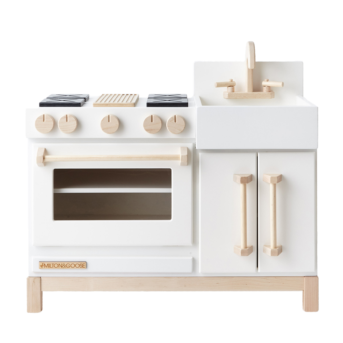Milton and Goose Essential Play Kitchen - TheTot