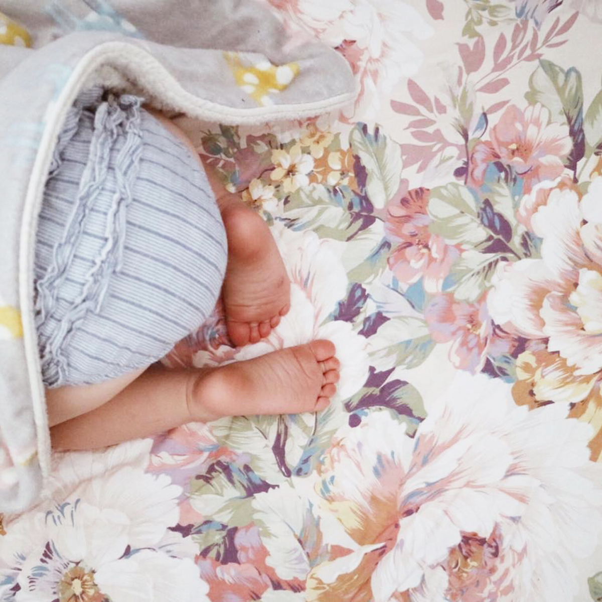 Tilly and Otto Floral Crib Sheet