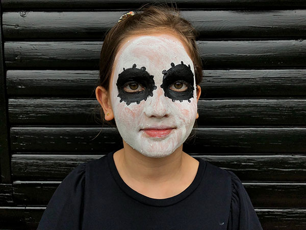 Mexican skeleton face paint