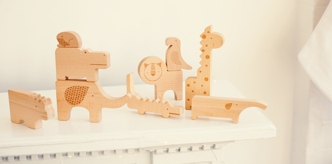 Kids gifts under 50 wooden animal puzzle