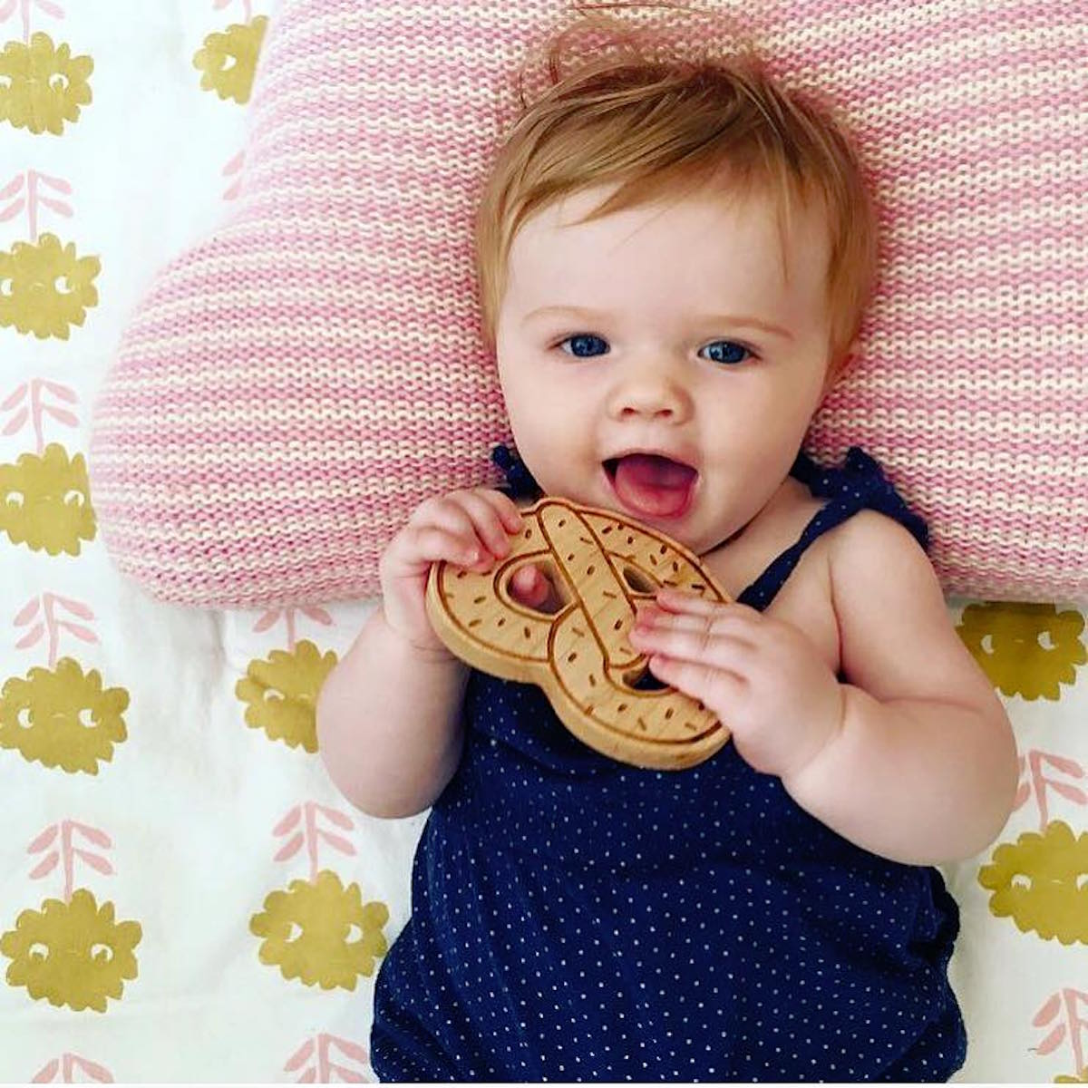Lexy Pexy Wooden Pretzel Teether