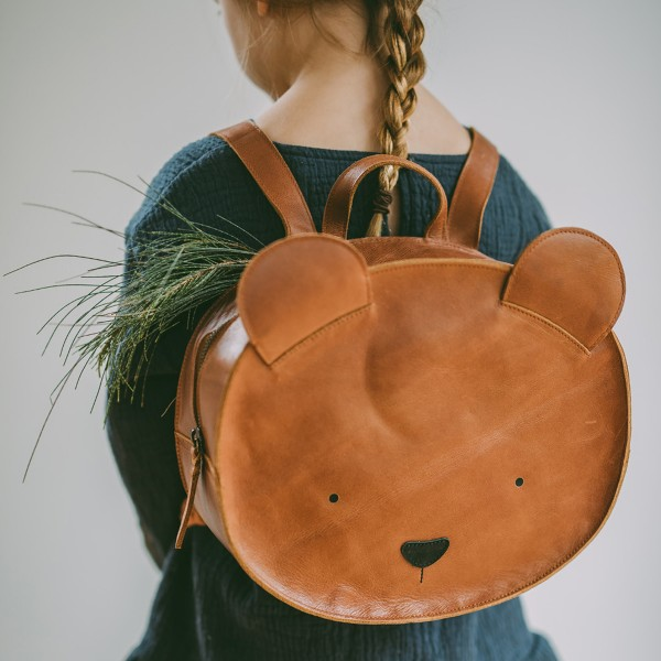 DonsjeAW18BackpackBear3