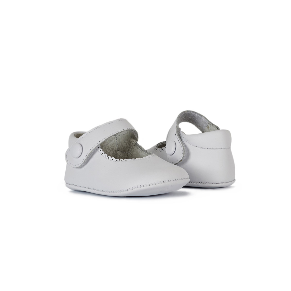ChildrenChic Leather Mary Janes in White