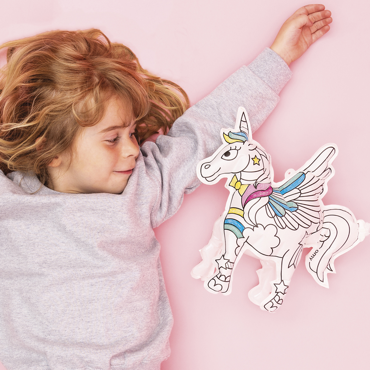 OMY Air Toy Unicorn with little girl