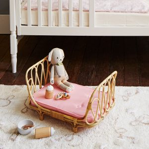 Poppy Toys Doll Day Bed and Make Me Iconic Doll Accessories Kit
