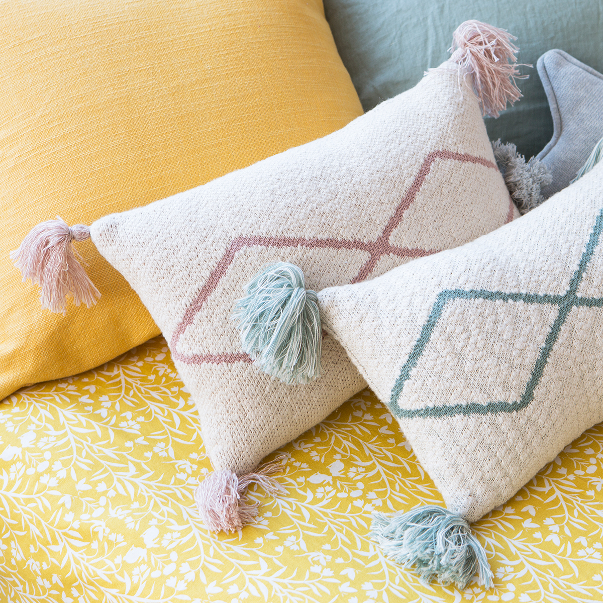 Lorena Canals Knitted Cushion Little Oasis Nat - Pale Pink