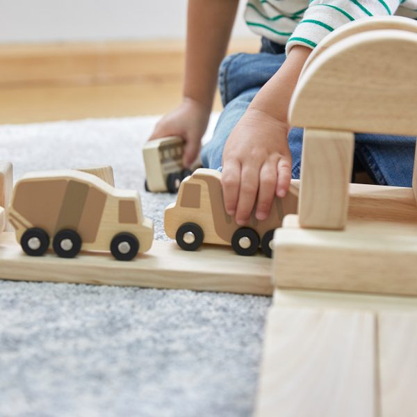 GuidecraftMiniWoodenTrucks2