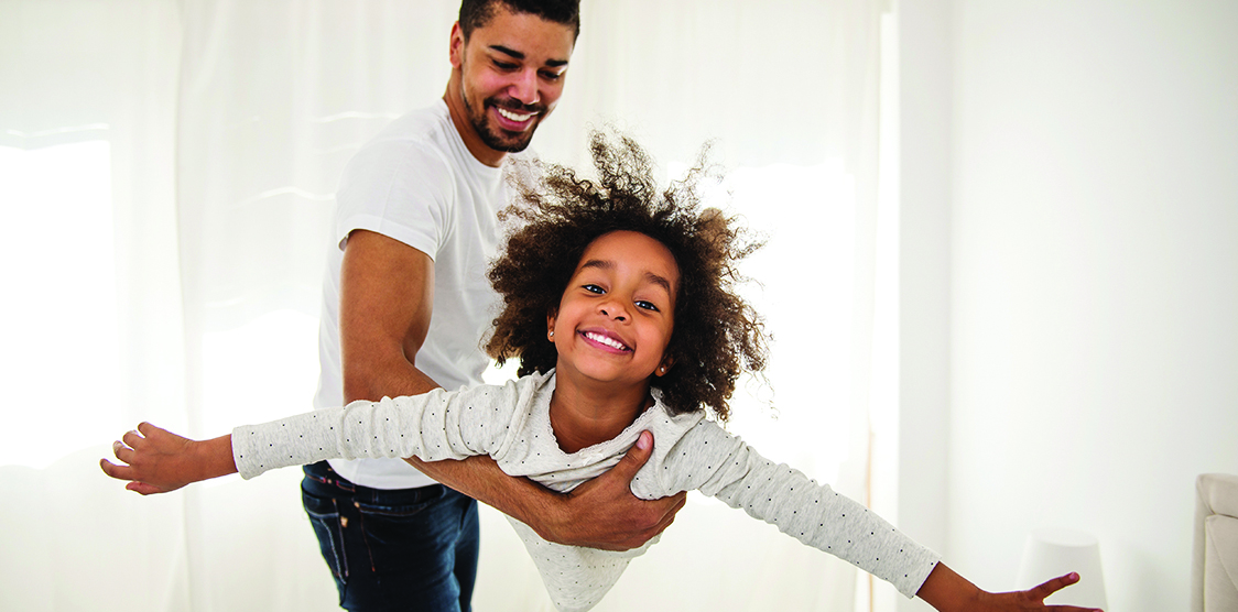 A child at home with dad during void 19