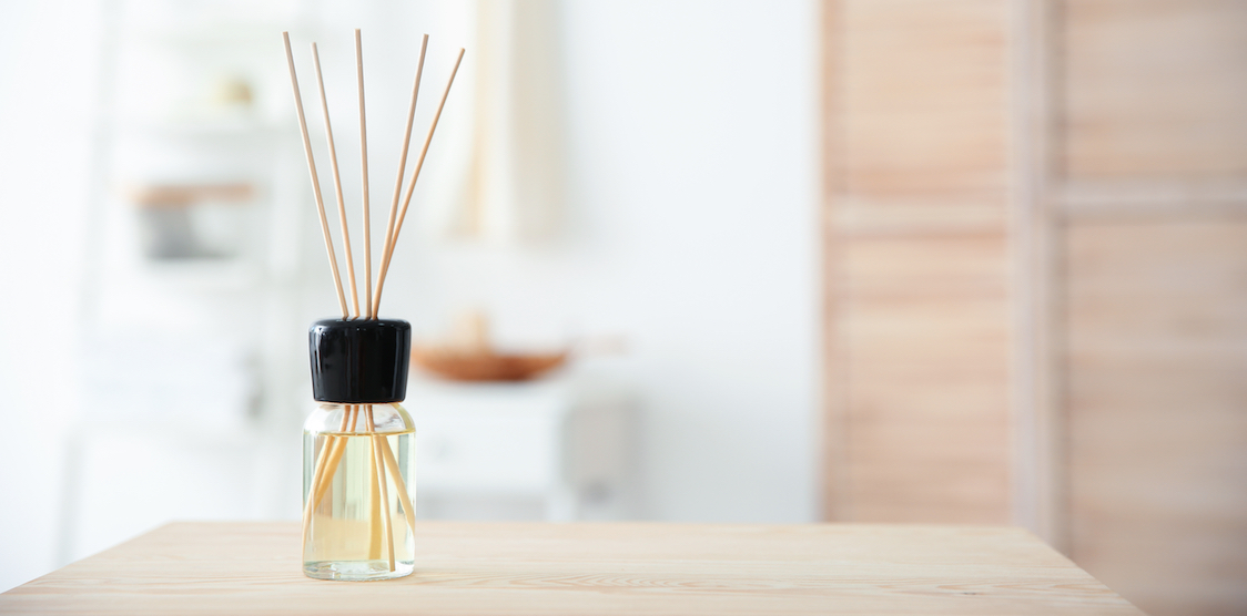An image of an air freshener diffusing oils that may contain VOCs
