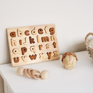 Q Toys Natural lowercacse letter puzzle