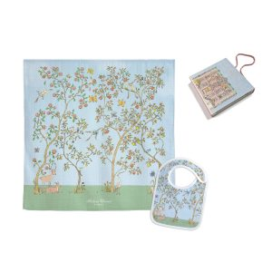 Atelier Choux Swaddle & Small Bib Gift Box Set – In Bloom Blue